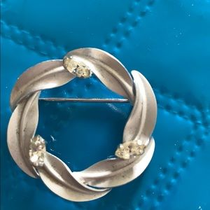 Jewelry - Sterling brooch